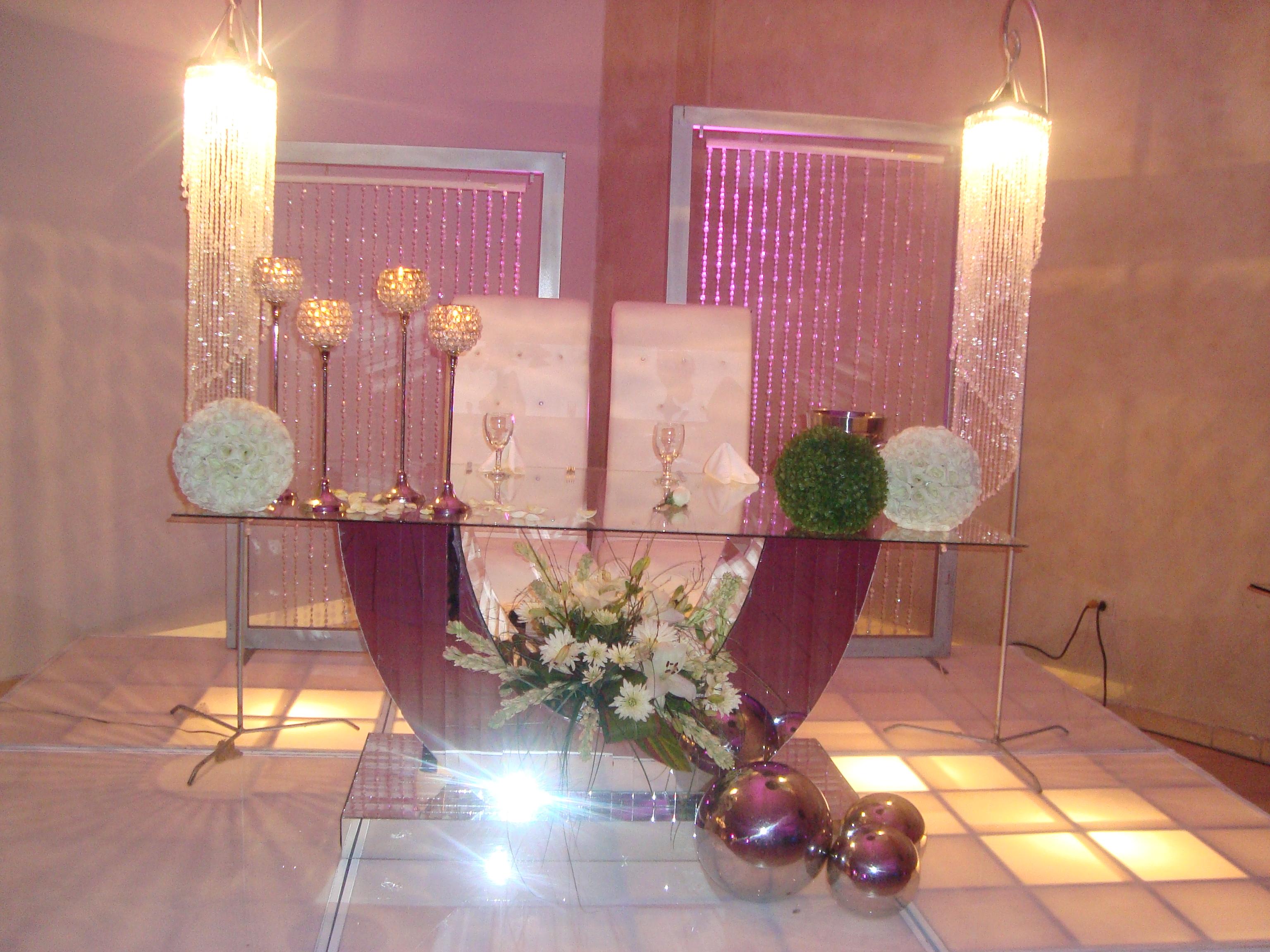 Mesa de novios reyna e israel - Detalles de decoracion ...